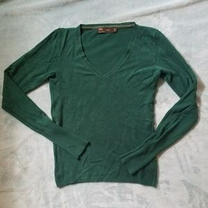 Zara green v neck long sleeve top